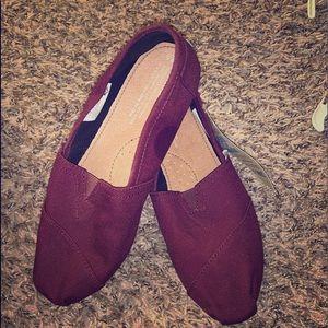 TOMS shoes 8.5